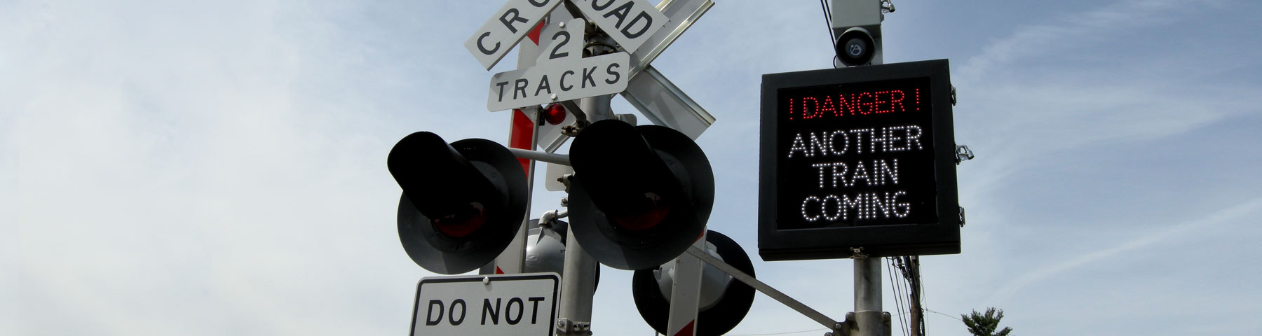 LED Preemptive Railroad Crossing Safety Signs